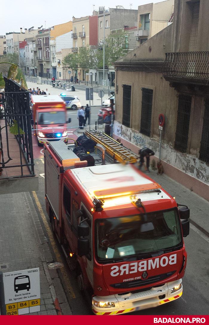 incendio-badalona-26042015-sant-isidre-bdn-3